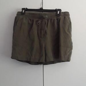 Army Green Shorts Kenneth Cole
